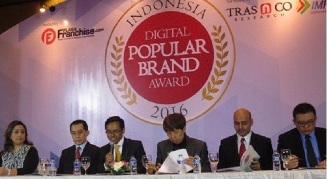 Acer raih Indonesia Digital Popular Brand Award 2016 untuk kategori Notebook